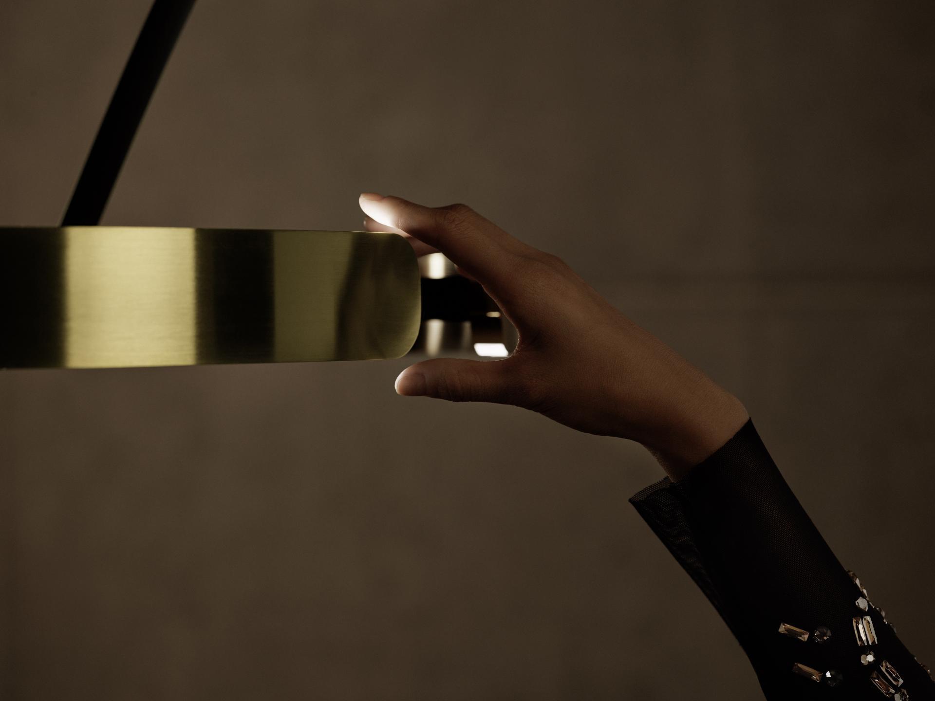 Bombillas Mito Bogenleuchte gold Detail