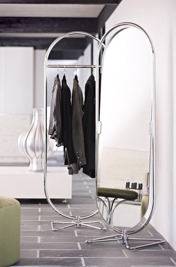 Bombillas Garderobenständer und Spiegel
