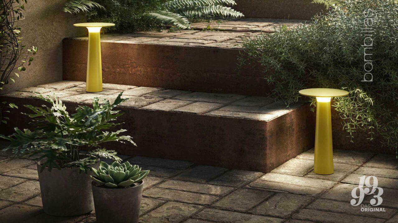 Akku-Leuchte kabellos für draußen - Sommerangebot Bombillas Rosenheim im Garten